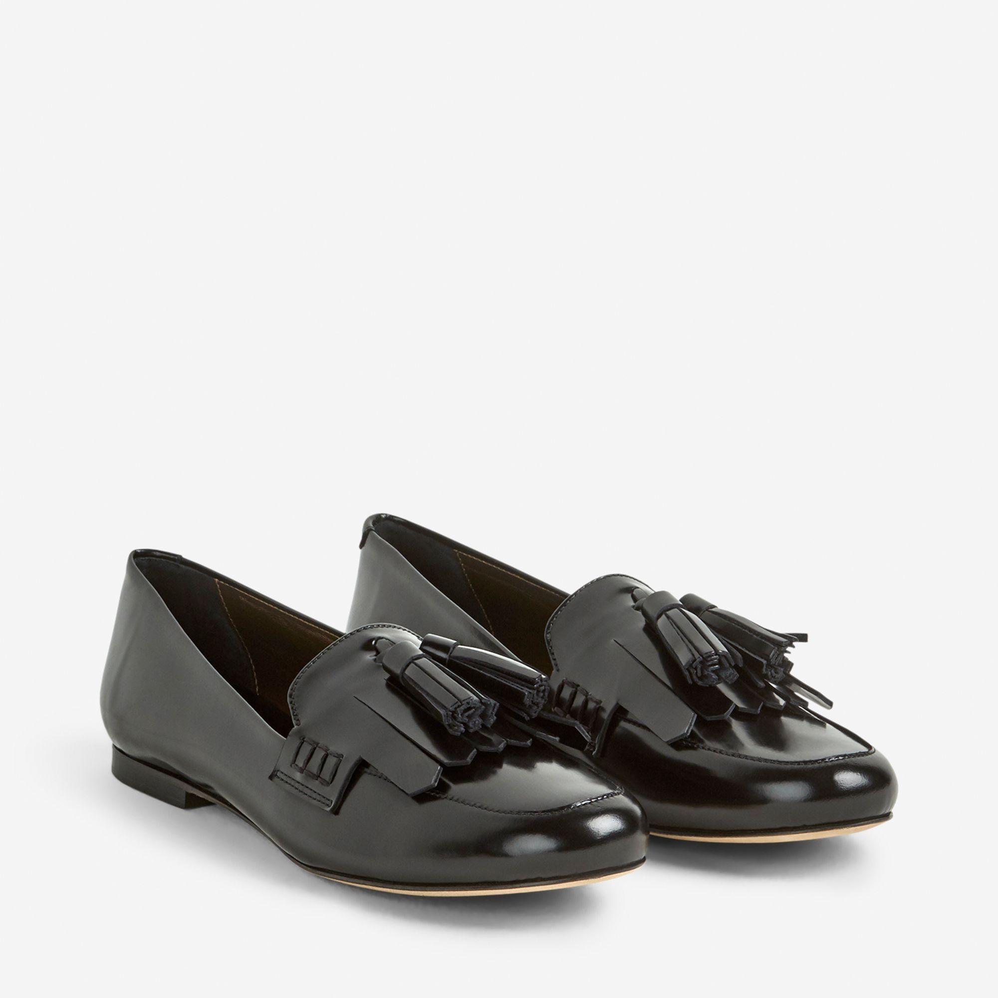 low priced 27ee9 f4491 Handla från hela världen hos PricePi. somliga går i trasiga skor