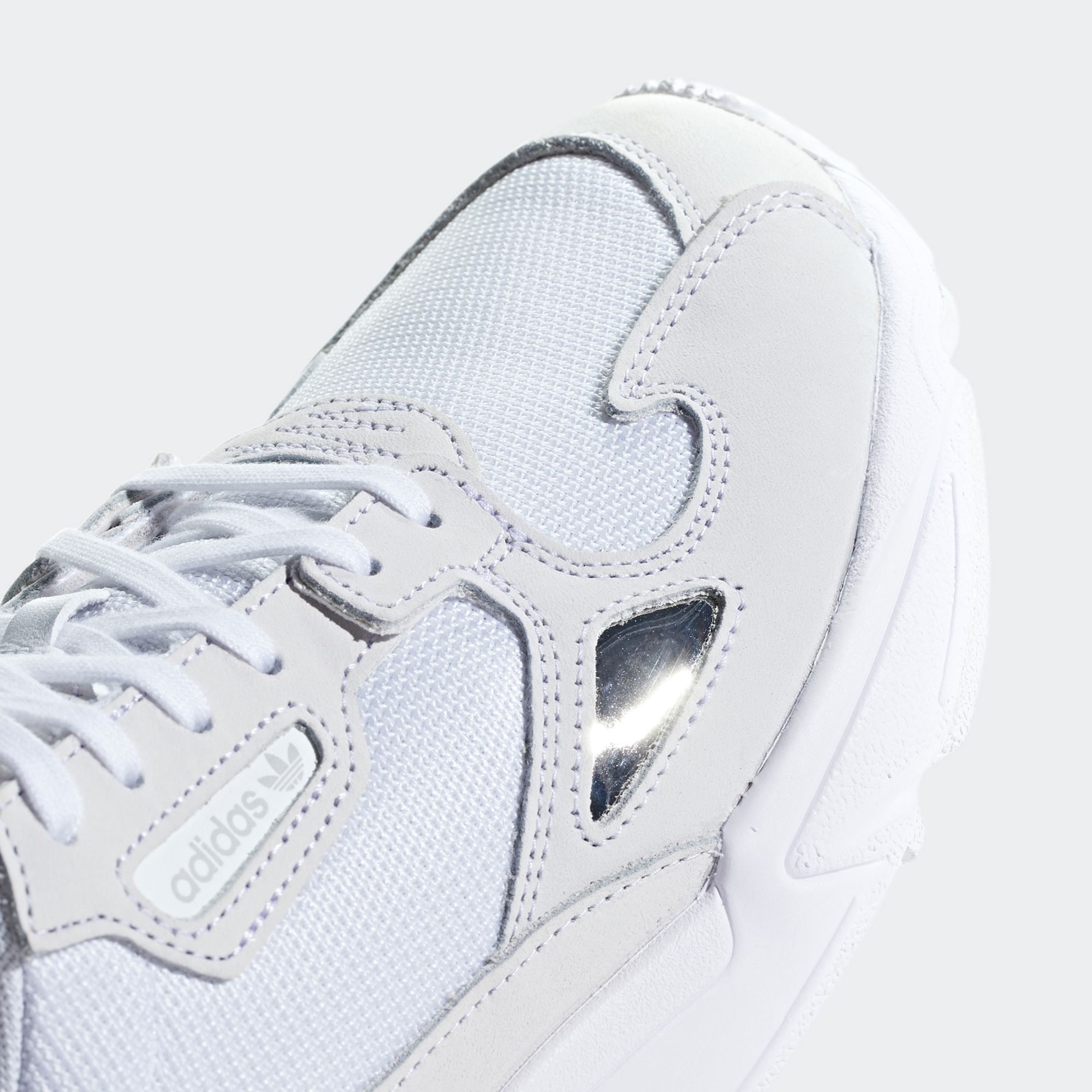 Adidas Falcon sneakers i skinn, dam